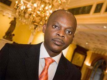 Robert Dussey: le président Faure Gnassingbé «à Paris» en décembre