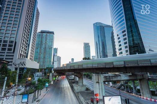 images-Arrivee-du-chef-de-la-diplomatie-togolaise-a-Bangkok_ng_image_full-523x348